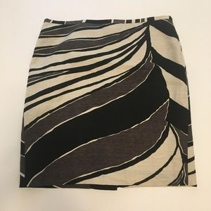 Size 12 Ann Taylor patterned pencil skirt
